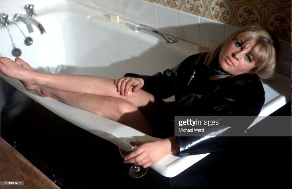 Julie Christie lying in a bath, 1964 : News Photo