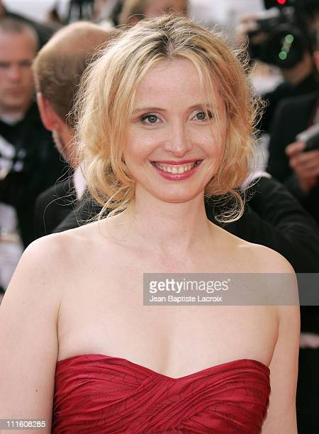 "Julie Delpy during 2007 Cannes Film Festival - ""Le Scaphandre et le Papillon"" Premiere at Palais des Festival in Cannes, France."