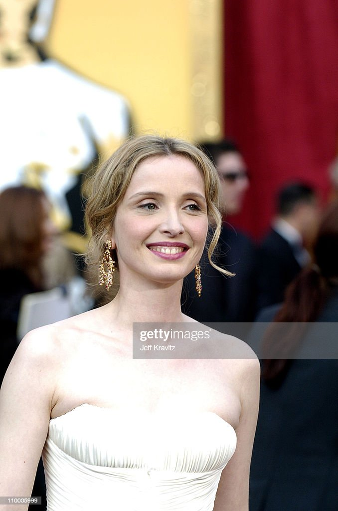 """Julie Delpy, nominee Best Adapted Screenplay for """"Before Sunset"""""""