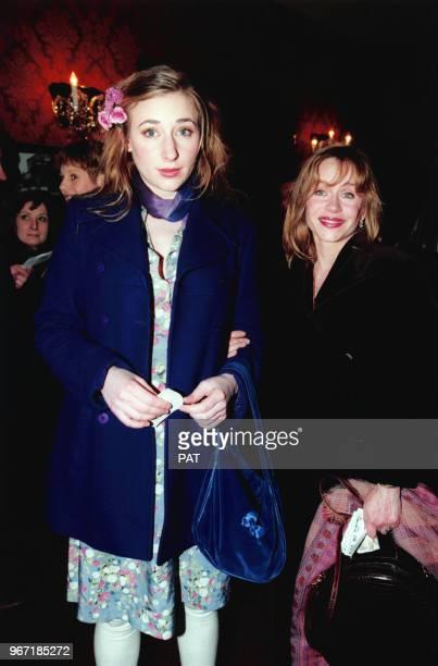Julie Depardieu et Elisabeth Depardieu lors de la Générale de la pièce Le Libertin de EricEmmanuel Schmitt à Paris le 24 février 1997 France
