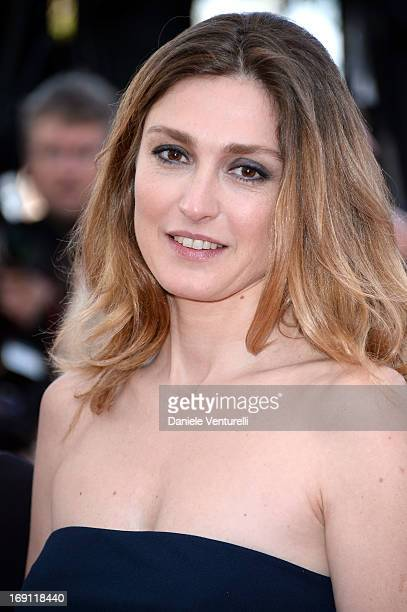 Julie Gayet attends the Premiere of 'Blood Ties' during the 66th Annual Cannes Film Festival at the Palais des Festivals on May 20 2013 in Cannes...
