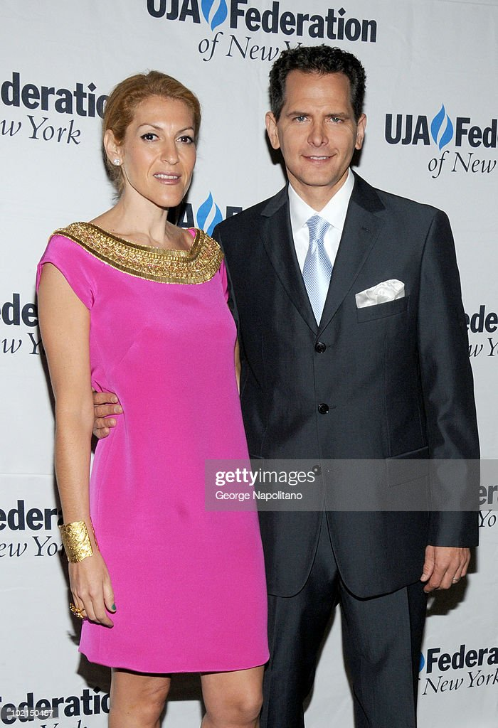 Julie Greenwald and Craig Kallamn attend the UJA-Federation's 2010 Music Visionary of the Year award luncheon at The Pierre Ballroom on June 16, 2010 in New York City.
