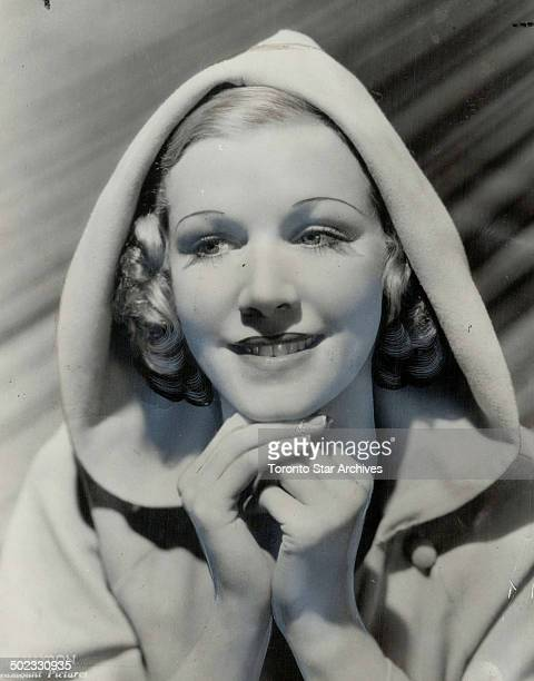 Julie Haydon forbids the publicity department to link her name with that of Ann Harding