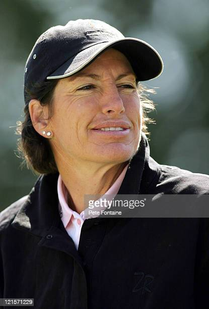 Julie Inkster enjoys practice day at the 2004 Michelob Ultra Open