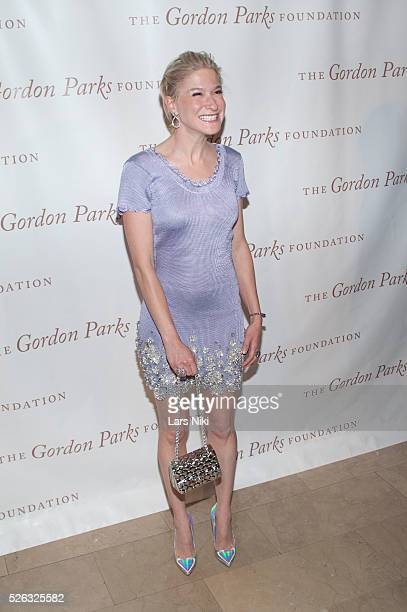 Julie Macklowe attends the Gordon Parks Foundation Awards Dinner at the Plaza Hotel in New York City �� LAN