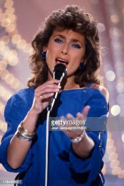 Julie Pietri à l'émission 'ChampsElysées' surAntenne 2 à Paris le 17 février 1983 France