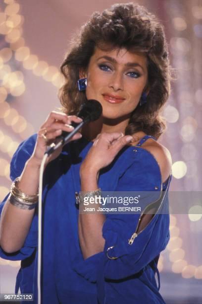 Julie Pietri à l'émission 'Champs-Elysées' surAntenne 2 à Paris le 17 février 1983, France.