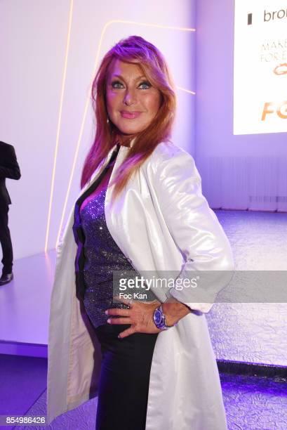 Julie PietriÊattends the Christophe Guillarme Show as part of the Paris Fashion Week Womenswear Spring/Summer 2018 on September 27, 2017 in Paris,...