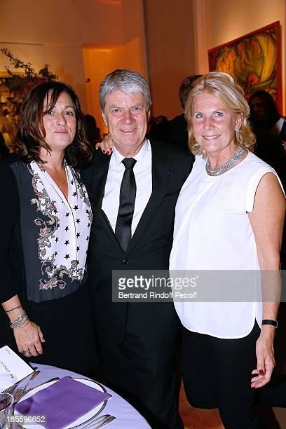 Julie Rouart Yves Carcelle and Miss Alain Flammarion attend the the dinner of the friends of the 'Musee d'Art Moderne de la ville de Paris' on...