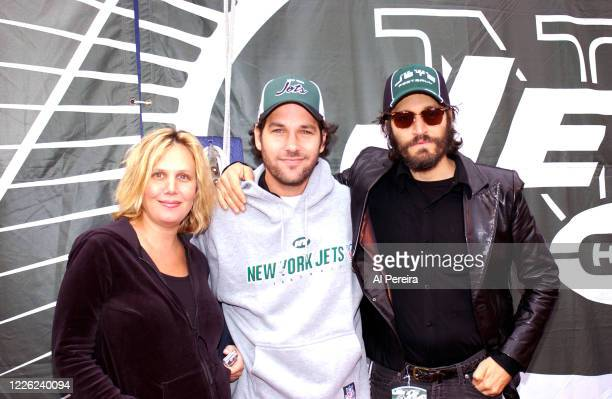 Julie Yaeger, Paul Rudd and Vincent Gallo attend the New York Jets vs Buffalo Bills game at The Meadowlands on October 10, 2004 in East Rutherford,...