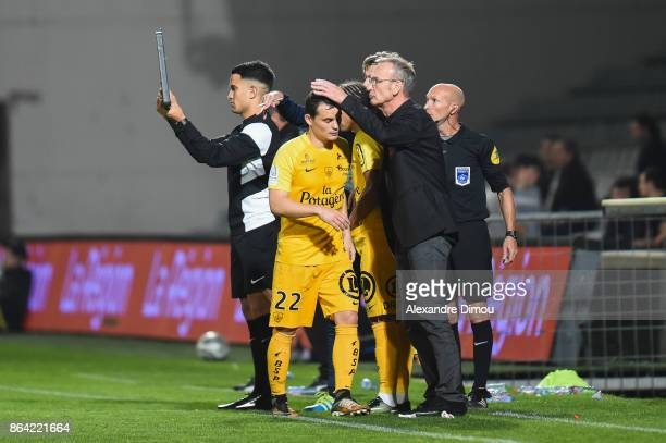 Julien Faussurier and Jean Marc Furlan Coach of Brest during the Ligue 2 match between Nimes Olympique and Stade Brestois at on October 20 2017 in...