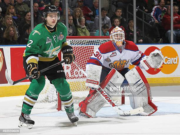 Julien Gauthier of the Val'Dor Foreurs waits for a shot to tip at Tristan Jarry of the Edmonton Oil Kings during the SemiFinal of the 2014 MasterCard...