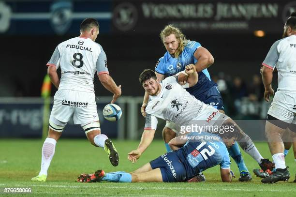 Julien Marchand of Toulouse and Jacques Du Plessis of Montpellier during the Top 14 match between Montpellier and Toulouse on November 18 2017 in...