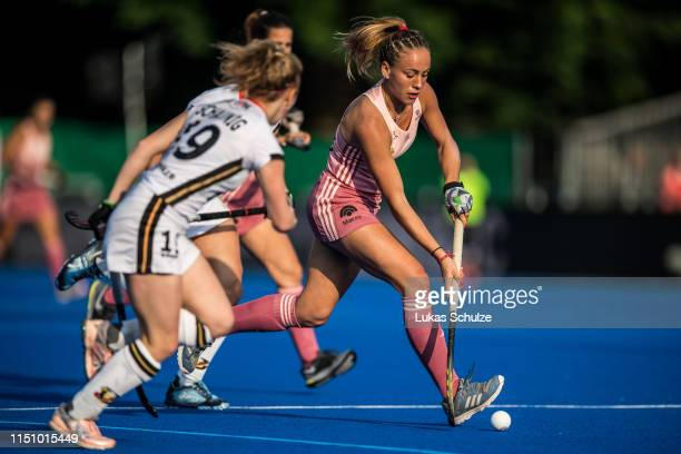 Julieta Jankunas of Argentina controls the ball during the Women's FIH Field Hockey Pro League match between Germany and Argentina at Crefelder...