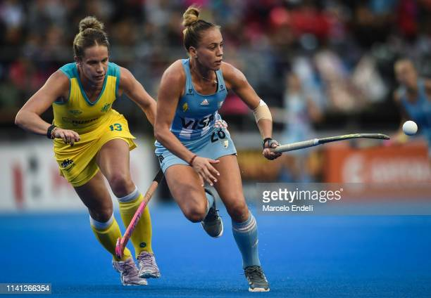 Julieta Jankunas of Argentina drives the ball during the Women's FIH Field Hockey Pro League match between Argentina and Australia at CeNARD on May 4...