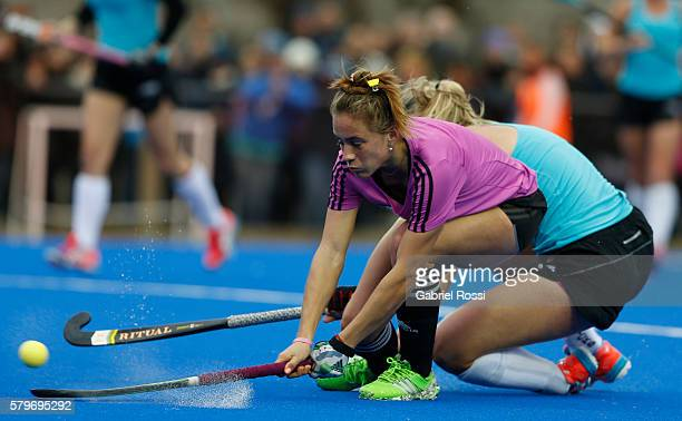 Julieta Jankunas of Argentina takes a shot during an International Friendly match between Argentina and Ireland at CenARD on July 24 2016 in Buenos...