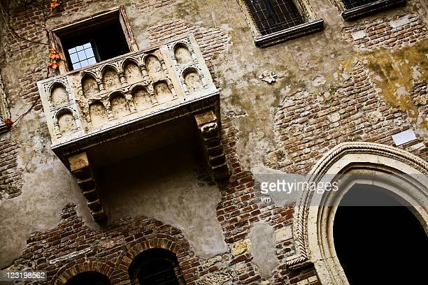 juliet's balcony - romeo stock pictures, royalty-free photos & images