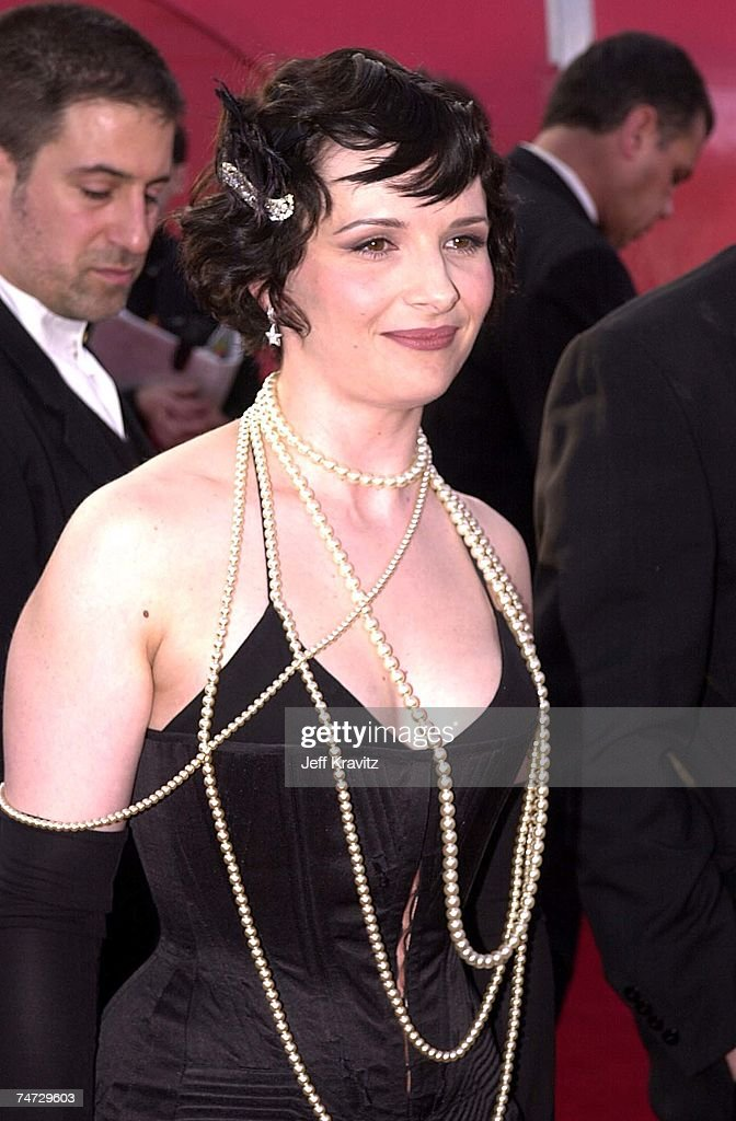 Juliette Binoche at the The 73rd Annual Academy Awards at ...