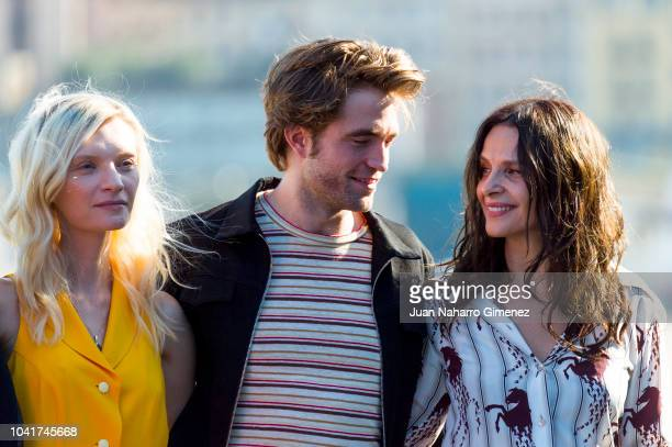 Juliette Binoche Robert Pattison and Agata Buzek attend the 'High Life' photocall during the 66th San Sebastian International Film Festival on...
