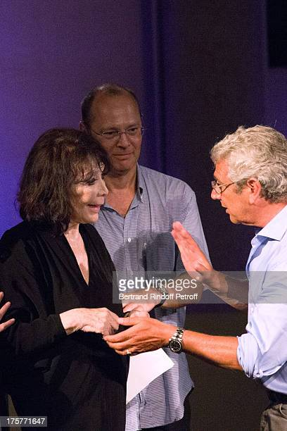 Juliette Greco the Doctor of Festival and Artistic Director of the Festival Michel Boujenah talk after singer Juliette Greco stopped her concert...