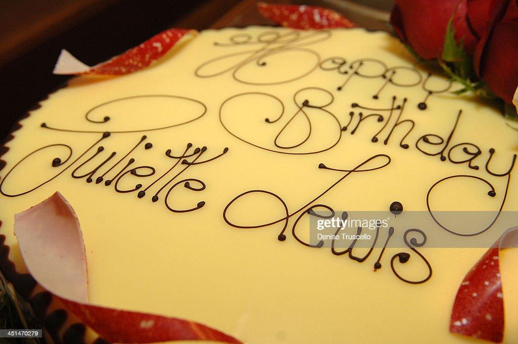 Awesome Juliette Lewis 35Th Birthday Cake At Prive Las Vegas On June 28 Funny Birthday Cards Online Hetedamsfinfo