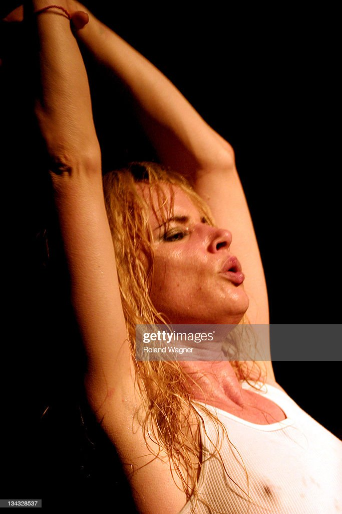 Juliette Lewis and the Licks in Concert - September 6, 2005