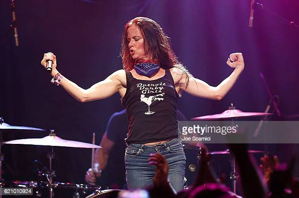 Juliette Lewis performs onstage at the 2016 Rhonda's Kiss benefit at El Rey Theatre on November 3 2016 in Los Angeles California