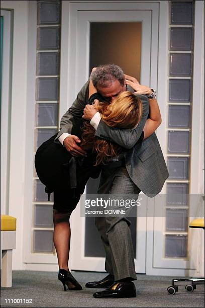 """Juliette Meyniac and Francis Perrin at the repetition of the Theater play """"Si c'etait a refaire"""" of Laurent Ruquier, staged by Jean-Luc Moreau at the..."""