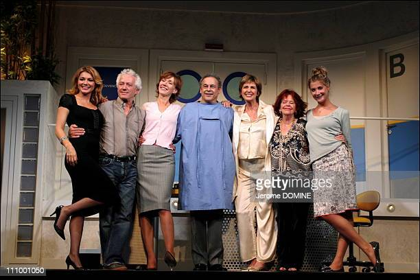 Juliette Meyniac, Jean-Luc Moreau, Virginie Lemoine, Francis Perrin, Pauline Larrieu, Laurence Badie and Alexia Namani at the repetition of the...