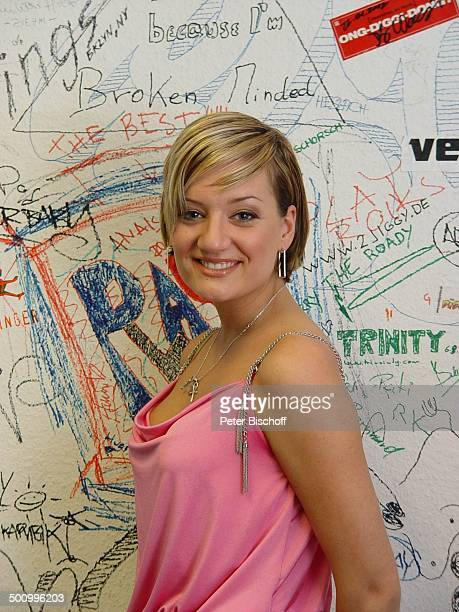 Juliette Schoppmann NBC Giga New Media Studio Düsseldorf DSDS Superstars Sängerin Promi PNr 126/2004 STB Foto PBischoff/CD