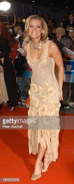 Juliette Schoppmann Verleihung Echo 2004 Berlin ICC Dekollete Promis Prominente Prominenter