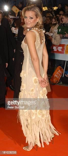Juliette Schoppmann Verleihung Echo 2004 Berlin ICC roter Teppich Promis Prominente Prominenter