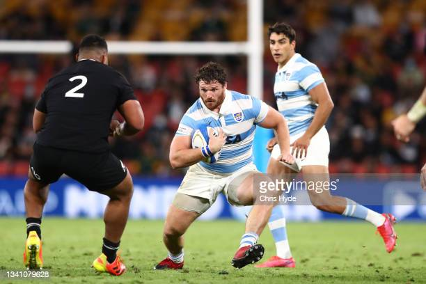 Julián Montoya of Argentina charges forward during The Rugby Championship match between the Argentina Pumas and the New Zealand All Blacks at Suncorp...