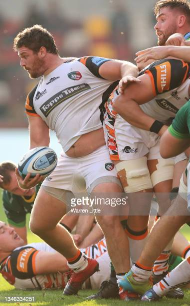 Julián Montoya of Leicester Tigers in action during the Gallagher Premiership Rugby match between London Irish and Leicester Tigers at Brentford...