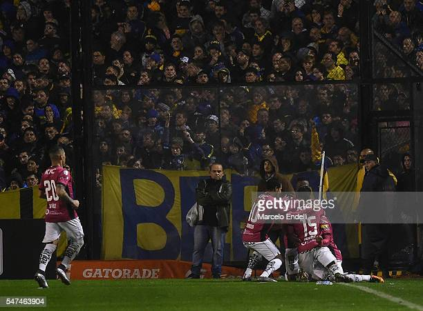 Julio Angulo of Independiente del Valle celebrates with his teammates after scoring the third goal of his team during a second leg match between Boca...