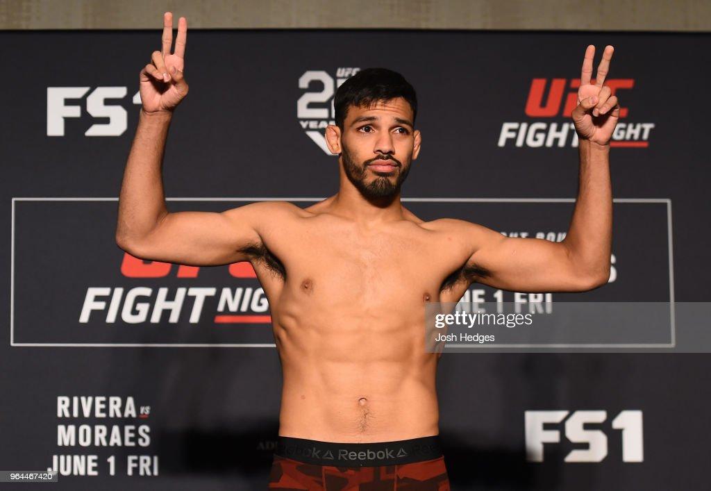 UFC Fight Night: Rivera v Moraes Weigh-in : Nieuwsfoto's