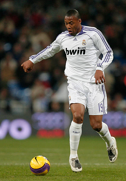 4d64d50b9be Julio Baptista of Real Madrid controls the ball during the La Liga match  between Real Madrid