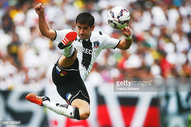 Julio Barroso controls the ball during a match between Colo Colo and U de Chile as part of Campeonato Apertura 2015 at Monumental David Arellano...