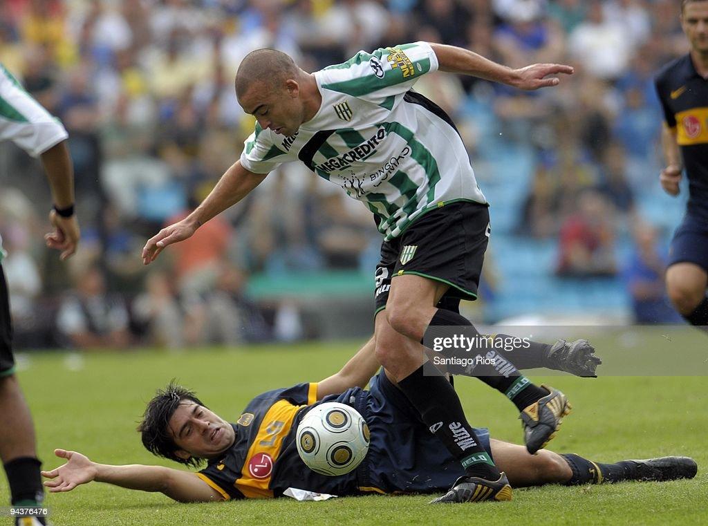 Boca Juniors v Banfield - Apertura Primera A 2009