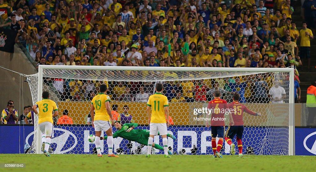 Soccer : FIFA 2013 Confederations Cup - Final - Brazil v Spain : News Photo
