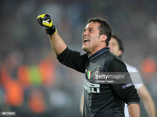 Julio Cesar of Inter Milan celebrates on the final whistle during the UEFA Champions League Semi Final Second Leg match between Barcelona and Inter...