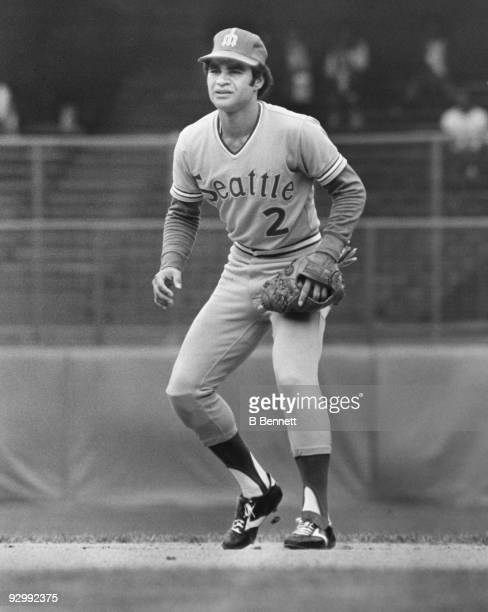 Julio Cruz of the Seattle Mariners plays second base during a circa 1977 game