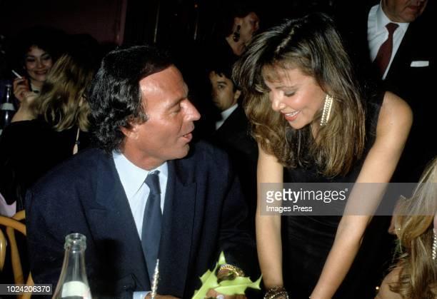 Julio Iglesias and Anna Obregon circa 1984 in New York