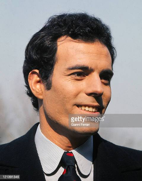 Julio Iglesias during a recording for 'Spanish Television' in the 'Casa de Campo' 25th March 1970 Madrid Spain