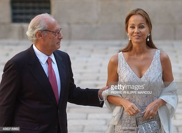 Julio Iglesias ex-wife Isabel Preysler arrives with her husband Miguel Boyer, spanish former Economy minister, to the cathedral to assist to the...