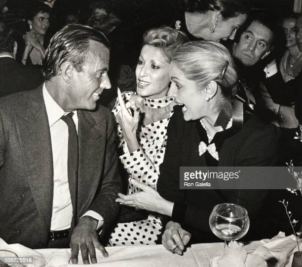 Julio Iglesias guest and Carolina Herrera during Julio Iglesias' 40th Birthday Party at Regines in New York City New York United States