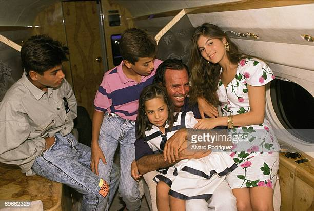Julio Iglesias next to his children and Tamara Falco From left to right Julio Jose Iglesias Enrique Iglesias Julio Iglesias Tamara Falco and Chabeli...