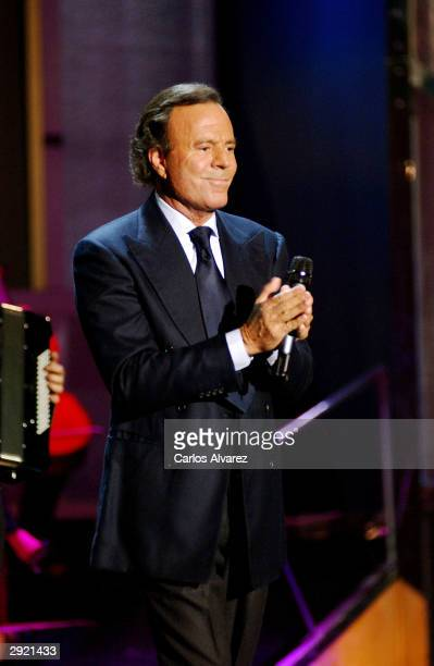 Julio Iglesias performs during the Spanish TV Gala for the Art Modern Museum Es Baluar at the Palma de Mallorca Auditorium on February 01 2004 in...