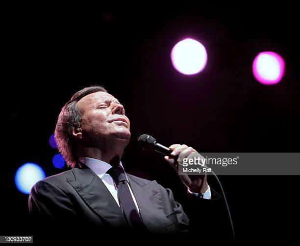 Julio Iglesias performs live at the Constantia Uitsig Hotel and Spa on January 24, 2008 in Cape Town, South Africa