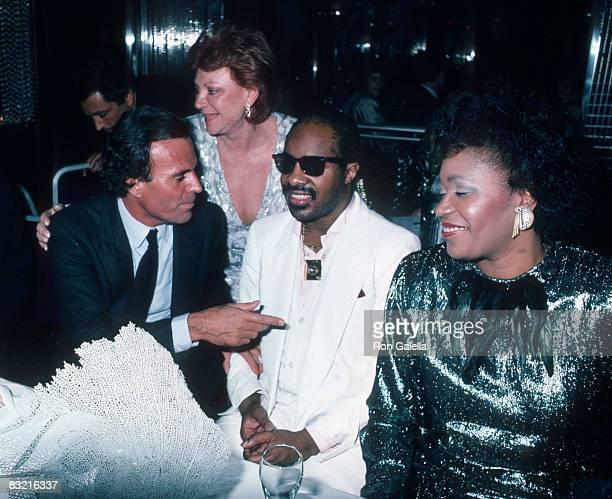 Julio Iglesias Regine Stevie Wonder and wife
